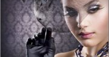 girl_with_gloves_wallpaper_2560x1600.jpg